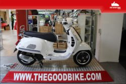Scooter Vespa GTS125 YachtClub 2021 white - Scooter
