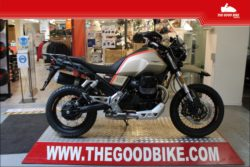 Moto Guzzi V85TT Travel 2021 sabia - Tour