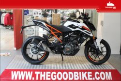 KTM 125Duke 2021 white - Roadster