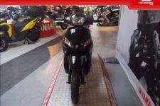 Scooter Peugeot Tweet125 2017 ultrablack - Scooter