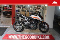 KTM 390Duke 2021 white - Naked